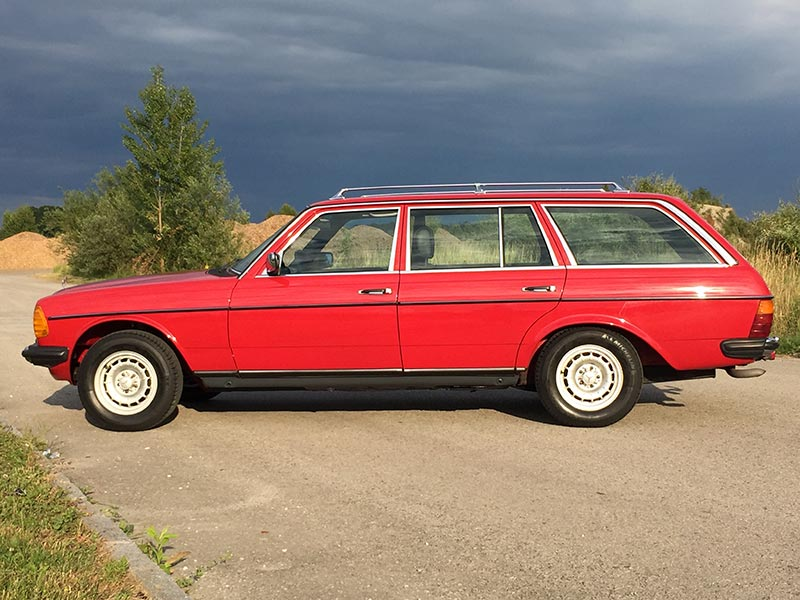 Mercedes Benz 230TE S123