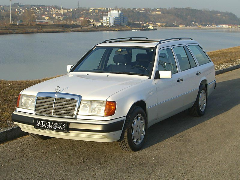 Mercedes Benz 230TE S124