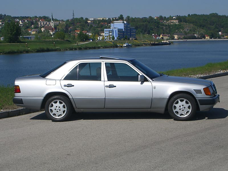 Mercedes Benz 300D turbo W124