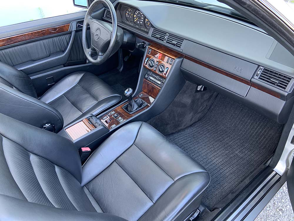 Mercedes-Benz E220 Cabrio A124 | Autoclassics – Fahrzeuge mit Stil