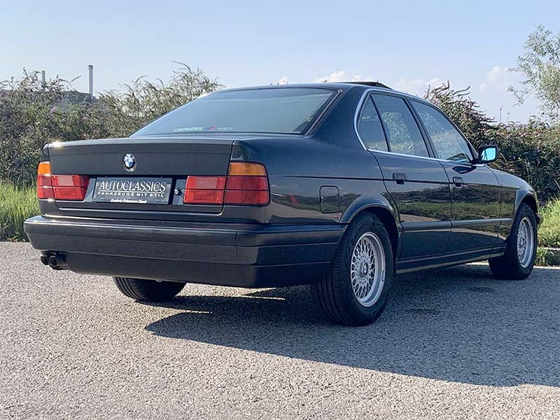 BMW 5er-Reihe 540i   Autoclassics – Fahrzeuge mit Stil